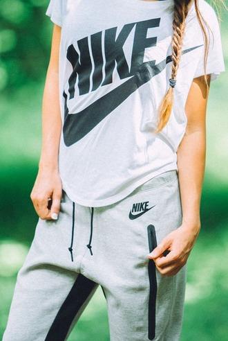 t-shirt grey t-shirt black nike  logo pants