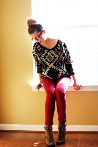 sweater re blackw hite shoes jeans red pants red jeans