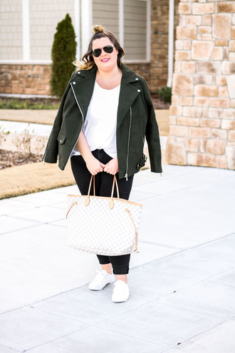 stylishsassy&classy blogger jacket t-shirt jeans shoes bag sunglasses tote bag plus size sneakers skinny jeans plus size jeans plus size top curvy
