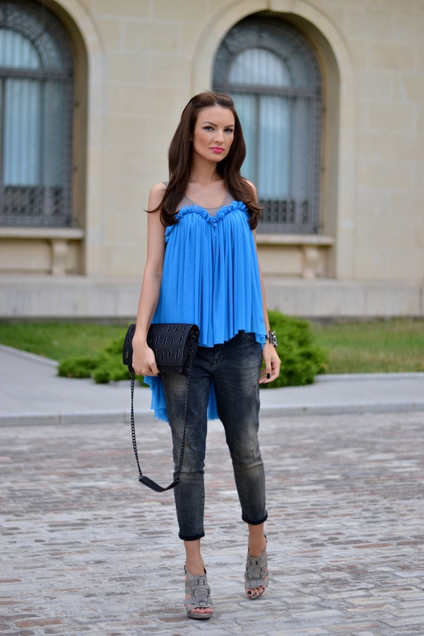 my silk fairytale blogger blouse jeans shoes bag jewels