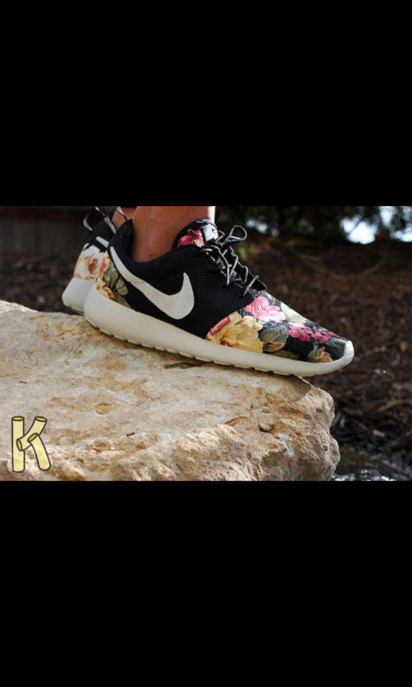shoes roshes floral nike