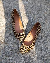 shoes,brown shoes,animal print