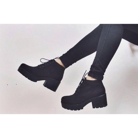 shoes black boots laced high heels chunky heel winter boots