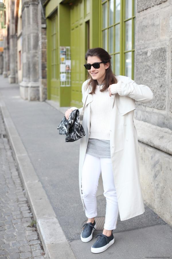 vienna wedekind jeans sweater t-shirt bag shoes