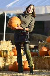 bag,fall outfits,fall sweater,fall colors,olivia culpo,celebrity,sweater,boots