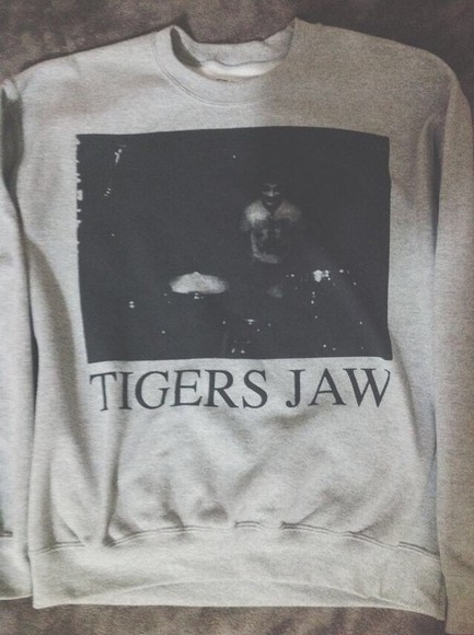 crewneck tigers jaw