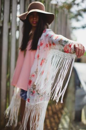 Daydreaming fringe kimono