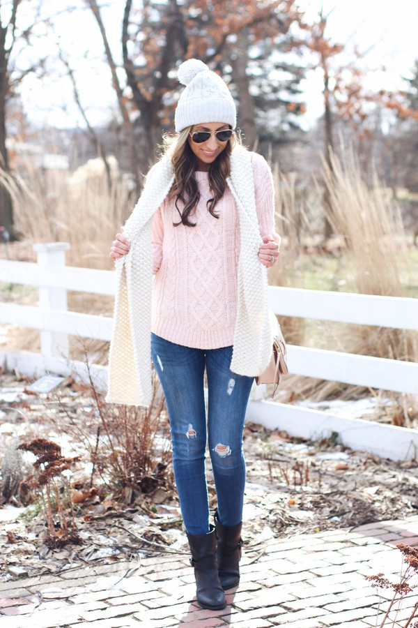 lilly's style blogger coat sweater jeans shoes scarf hat sunglasses bag beanie pink sweater ankle boots skinny jeans winter outfits