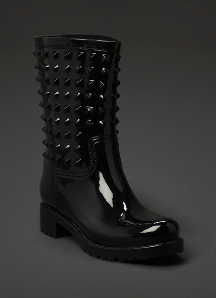 Rubber stud boot