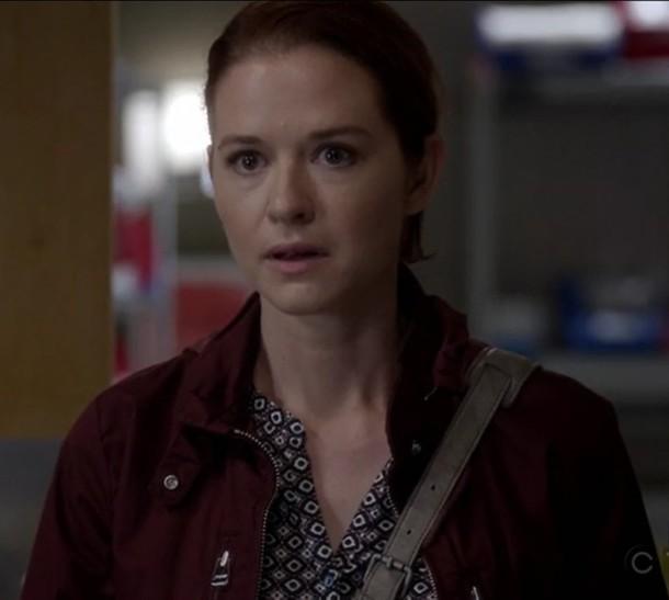 jacket sarah drew april kepner print v neck top red grey's anatomy