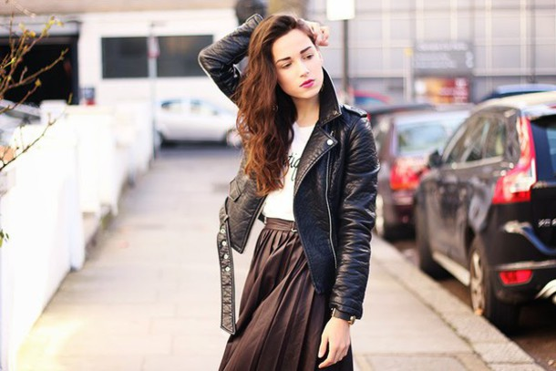 amoureuse de mode blogger brown midi skirt perfecto skirt jacket top shoes scarf