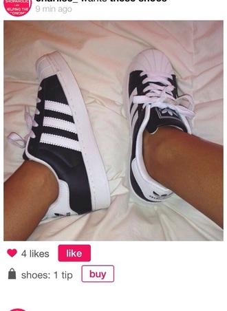 shoes trainers black addidas adidas black black and white black trainers black sneakers sneakers white sneakers stripes black and white stripes b and w
