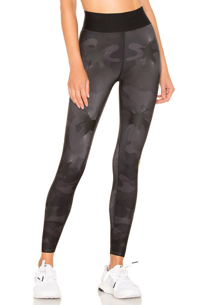 ultracor Ultra High Silk Camo Knockout Legging in black
