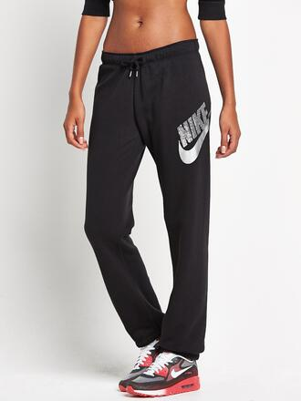 pants shoes sweats nikeobsessed loves inlove wantsobad jeans
