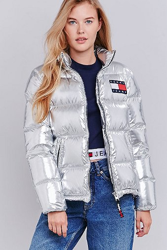 0f0b9b201 UO Exclusive Tommy Jeans Silver Quilted Down Parka - Urban Outfitters