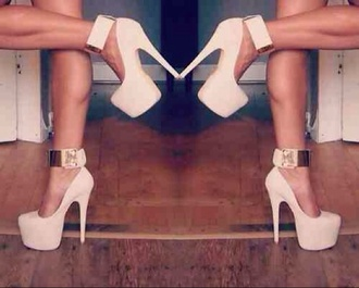 shoes high heels baby pink high heels gold that's chic