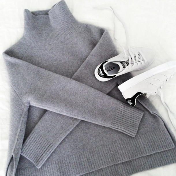 by funda blogger adidas shoes grey sweater stan smith