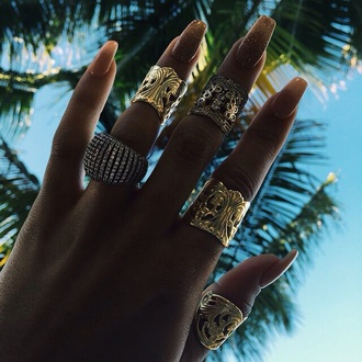 jewels ring gold gold ring gold jewelry jewelry gold accessory gold accessories boho jewelry boho luxury luxury jewelry hand candy accessory accessories
