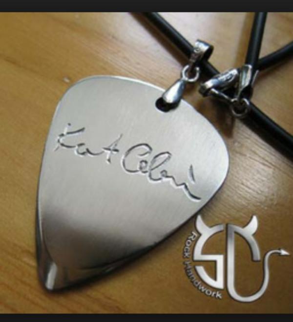 jewels kurt cobain guitar pick nirvana necklace