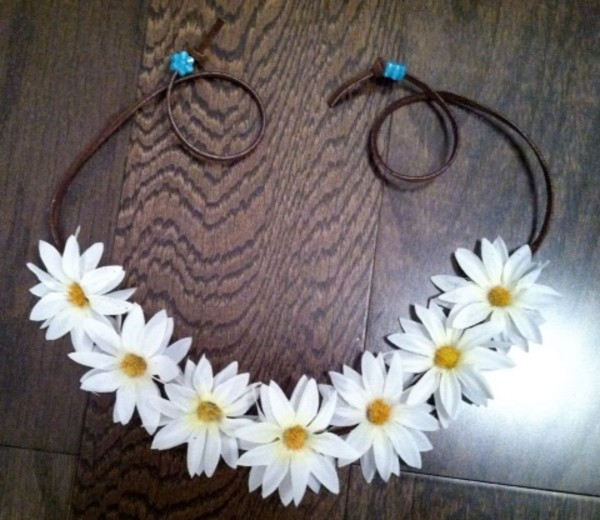 hat flower crown white daisy flowers