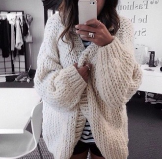 cardigan knitted beige winter outfits