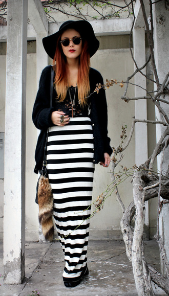 le happy stripes black skirt white skirt rounded sunglasses skirt hat