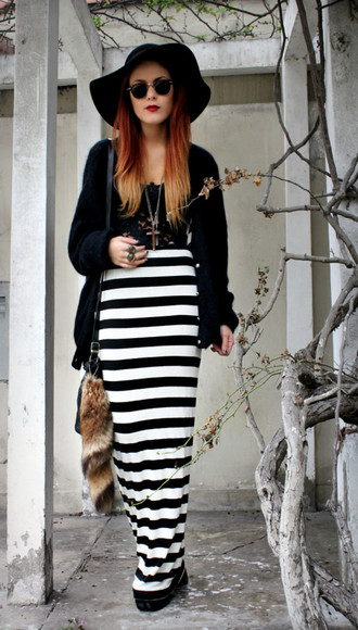 le happy stripes black skirt white skirt rounded sunglasses