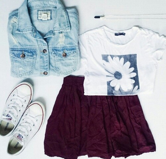 jacket jeans bright necklace converse short skirt yummy t-shirt top tees flowers picture indie grunge alternative young youth girl women teenagers black and white