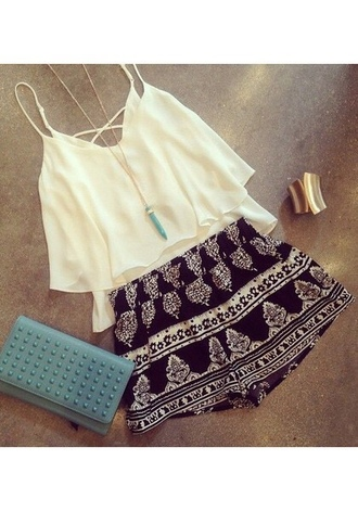 skirt printed black and white skirt shorts jewels blouse