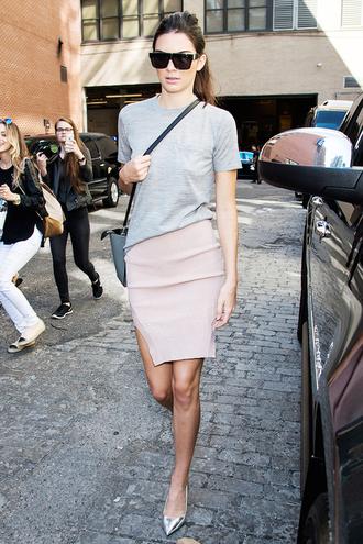 le fashion image blogger top sunglasses t-shirt bag skirt shoes