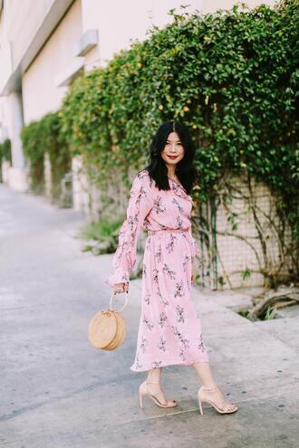 mamainheels blogger dress shoes bag floral dress pink dress spring outfits spring dress round bag sandal heels