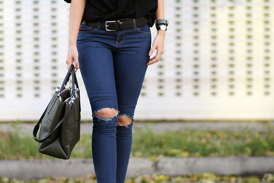 DIY tutorial: Busted Ripped Knee jeans