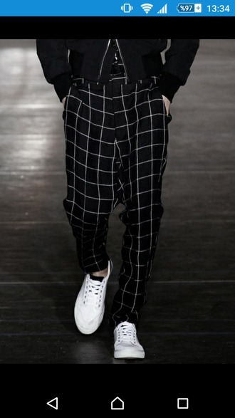 pants black black and white black pants checked plaid plaid pants menswear men pant mens pants man pants fashion fashion show louis vuitton fashion pants armani swag tumblr pants tumblr outfit