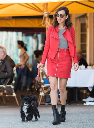 sydne summer's fashion reviews & style tips blogger jacket t-shirt skirt jewels shoes red jacket red skirt zipped skirt boots