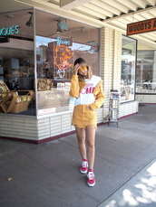 skirt,tumblr,yellow,yellow skirt,mini skirt,t-shirt,white t-shirt,jacket,sneakers
