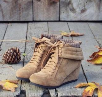camel wedge short winter boot