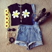 shirt,daisy,cute,yellow,cartoon,boots,shoes,black,sunglasses,belt,cropped shorts,vintage,white,golden bangle,bracelets,sunflower,denim overalls,combat boots,round sunglasses,high waisted denim shorts,cut off shorts,High waisted shorts,dungarees,overalls,blue overalls,black combat boots,necklace,smile,smiley,shorts