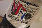 t-shirt,mtv,top,blue,red,white,vintage