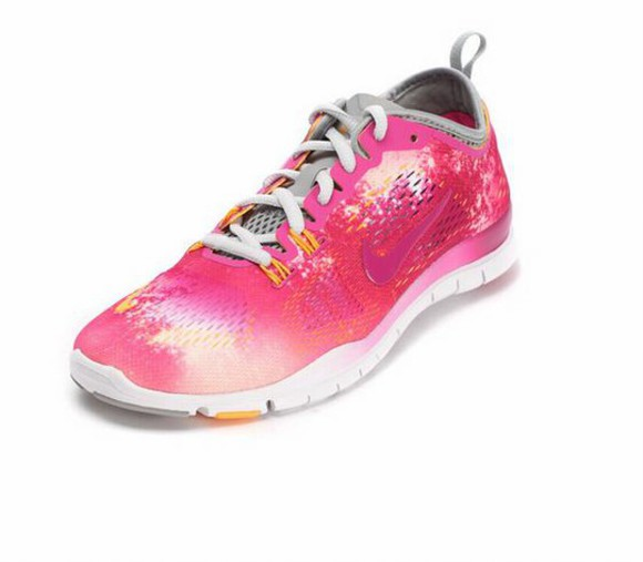 Pin up shoes nike free 5.0 tr nike free 5.0 tr fit nike free 5.0 tr fit 4 breathe womens shoes cross training camo fuschia red nike free 5.0 tr fit 4 breathe womens nike roshe runs nike training red pink girls hbo girls shoes women shoes breathe breathable fashion