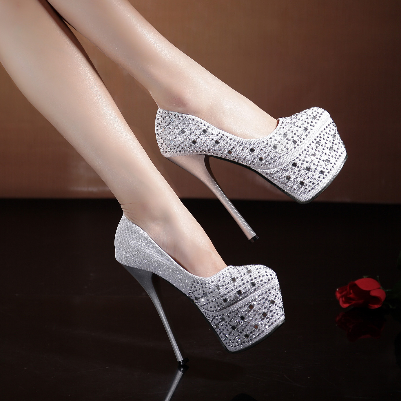 new 2014 white crystal ultra high heels rhinestone wedding dress bride formal dress banquet princess single shoes women's shoes-inPumps from Shoes on Aliexpress.com