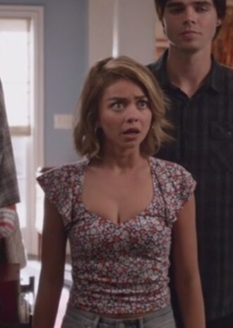 top floral crop modern family haley dunphy sarah hyland