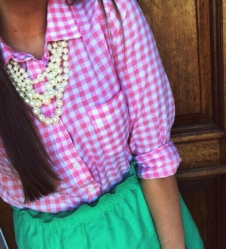 shorts pink and white checkered blouse green shorts