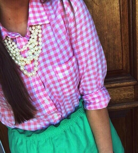 shorts green shorts pink and white checkered blouse