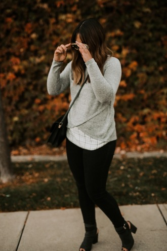 jodybeth blogger sweater pants shoes bag sunglasses grey sweater crossbody bag skinny jeans ankle boots fall outfits