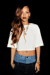 jeans,rihanna,icon,crop tops,jewelry,necklace,watch,ring,earrings,amazing,pants,demin,white,black,shirt,white crop tops,make-up