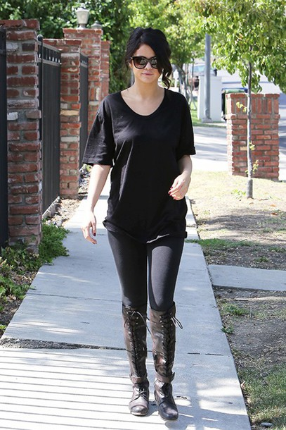 t-shirt selena gomez shoes leggings