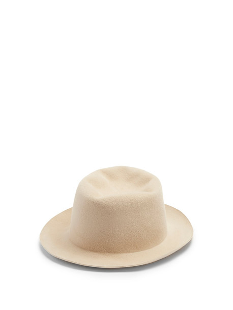 REINHARD PLANK HATS Ibro hat in beige / beige