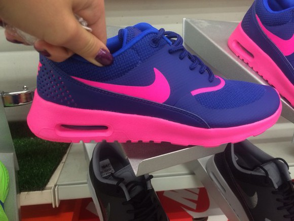pink shoes nike