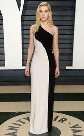 dress,nicola peltz,oscars,Oscars 2017,gown,prom dress,one shoulder,maxi dress,black and white