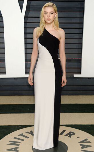 dress nicola peltz oscars oscars 2017 gown prom dress one shoulder maxi dress black and white